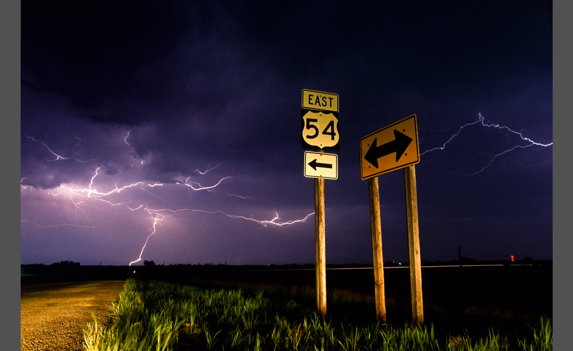 Lightning, US 54 E, Higway Sign